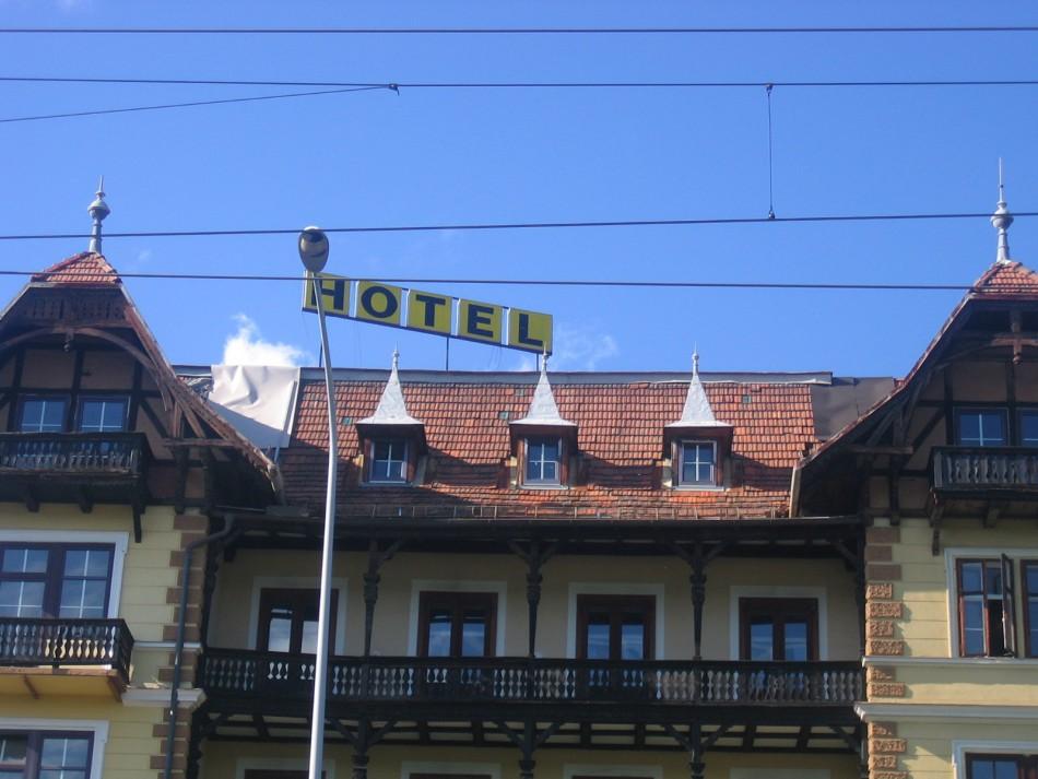 Denkmalgeschütztes Hotel Wörthersee verfällt!
