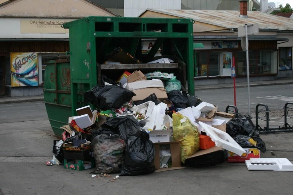 Grüne fordern funktionierende Mülltrennung am Benediktinermarkt!