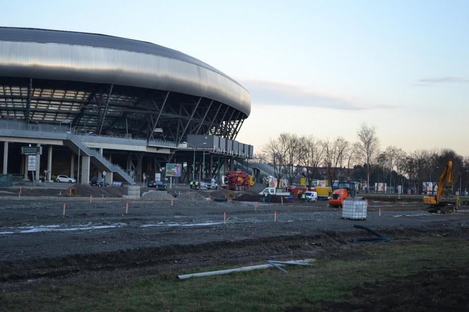 Stadion: 768.000 Euro Steuergeld für die Permanentmachung eines Parkplatzes!