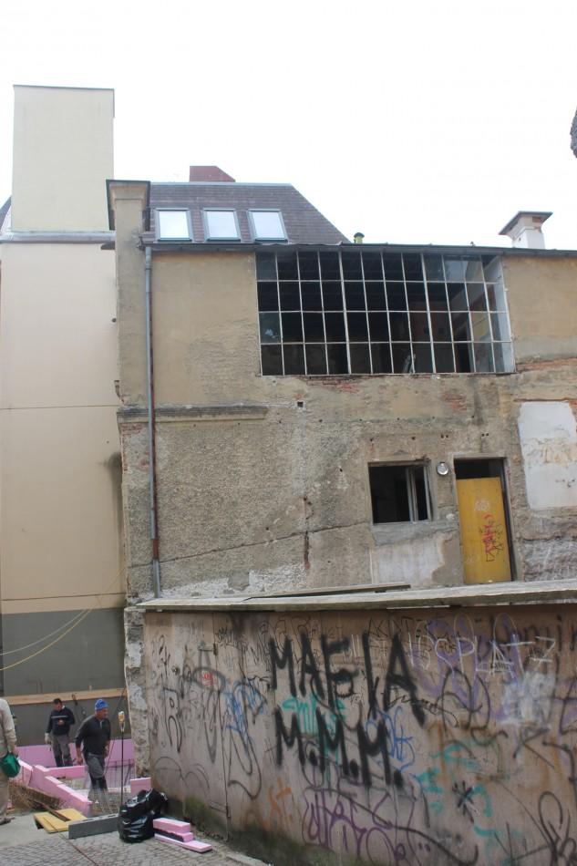 Maria Lassnig: Brücke und Gasse benennen