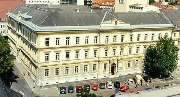 """Nach der Schließung der Benediktinerschule soll es ein """"Haus der Begegnung"""" werden"""