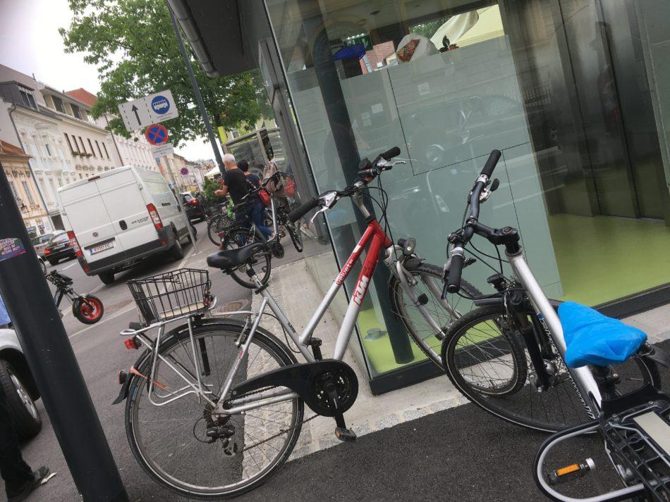 Fahrradbügel für die umweltbewussten BesucherInnen des Benediktinermarktes gefordert